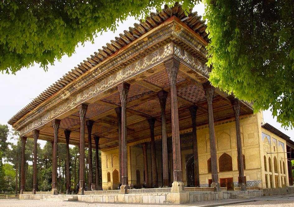 بازدید از چهل ستون اصفهان