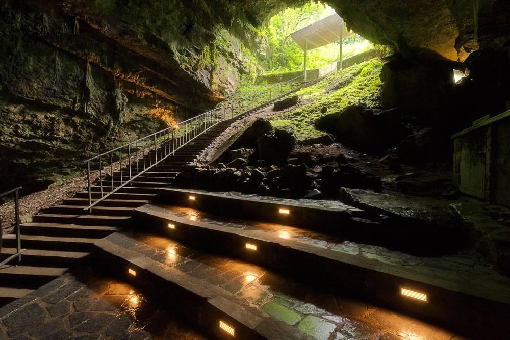 غار دانمور در ایرلند
