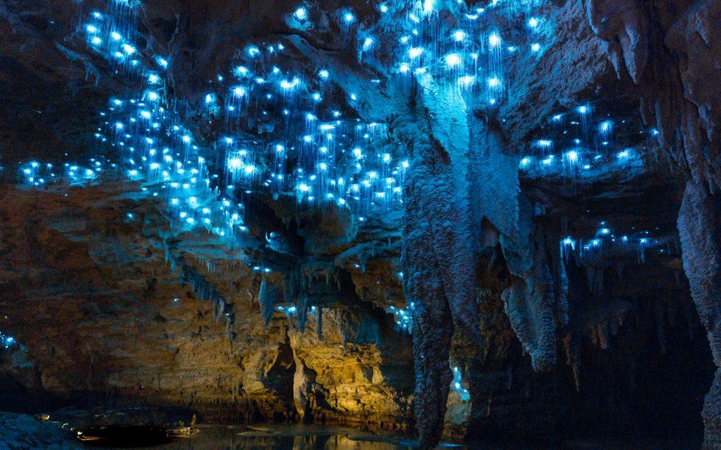 زیبایی شگفت انگیز غارهای ویتومو