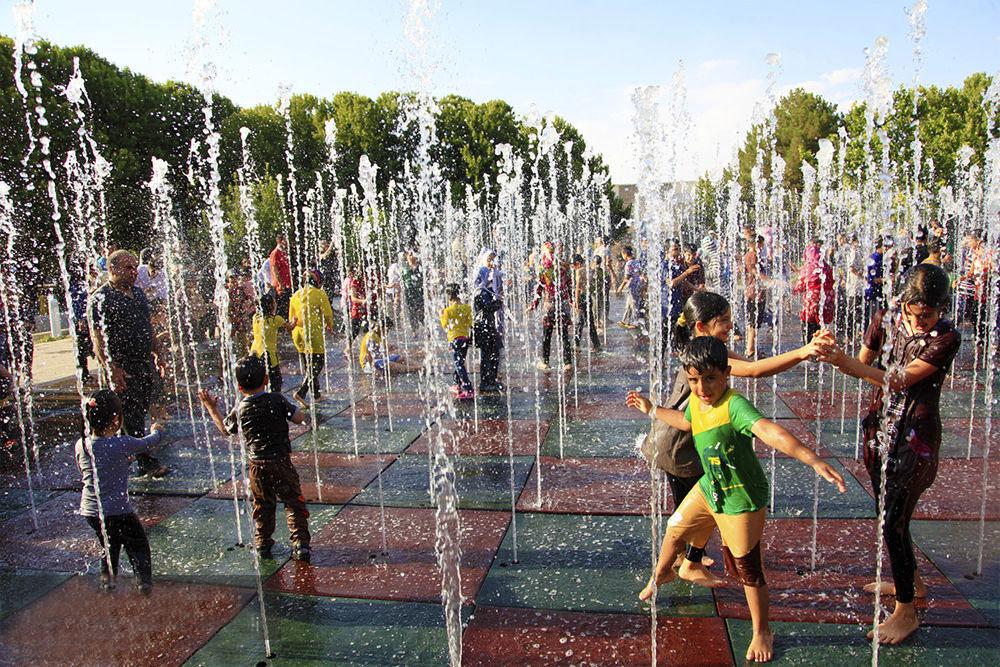 جشن باستانی آب پاشونک