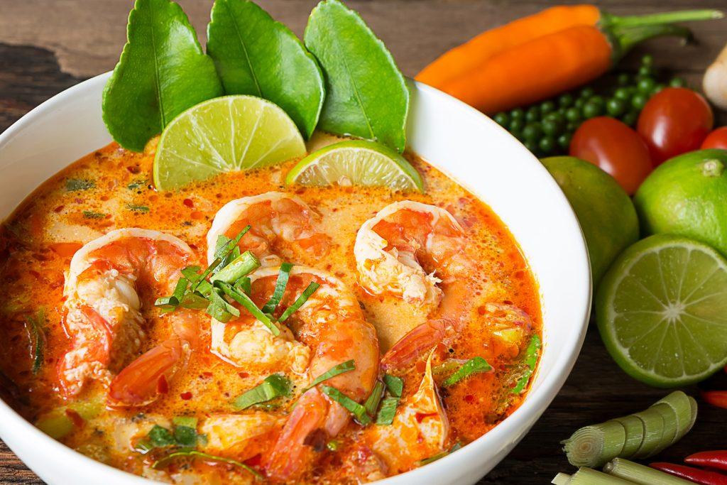 سوپ میگو - غذای خوشمزه تایلندی