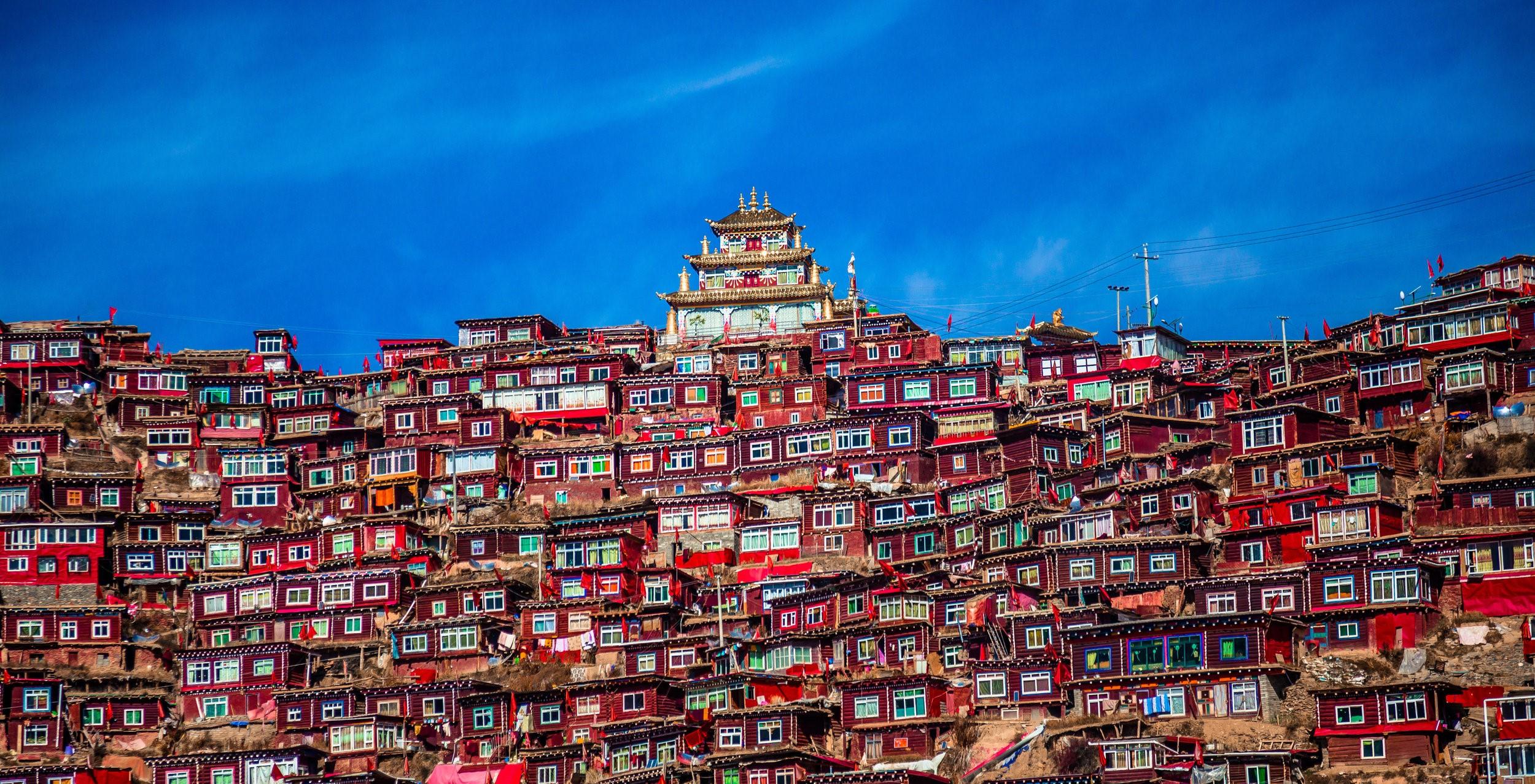 زیباترین شهرهای تپه ای دنیا