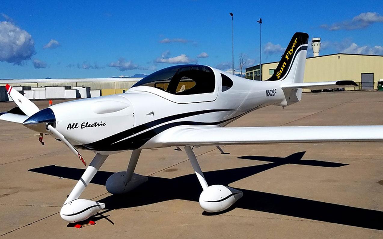شرکت های هواپیمایی - هواپیمای سان فلایر - هواپیمای الکتریکی -  شرکت هواپیمایی هوا الکتریک - دنور - کلرادو - جورج بای -  صنعت هوانوردی