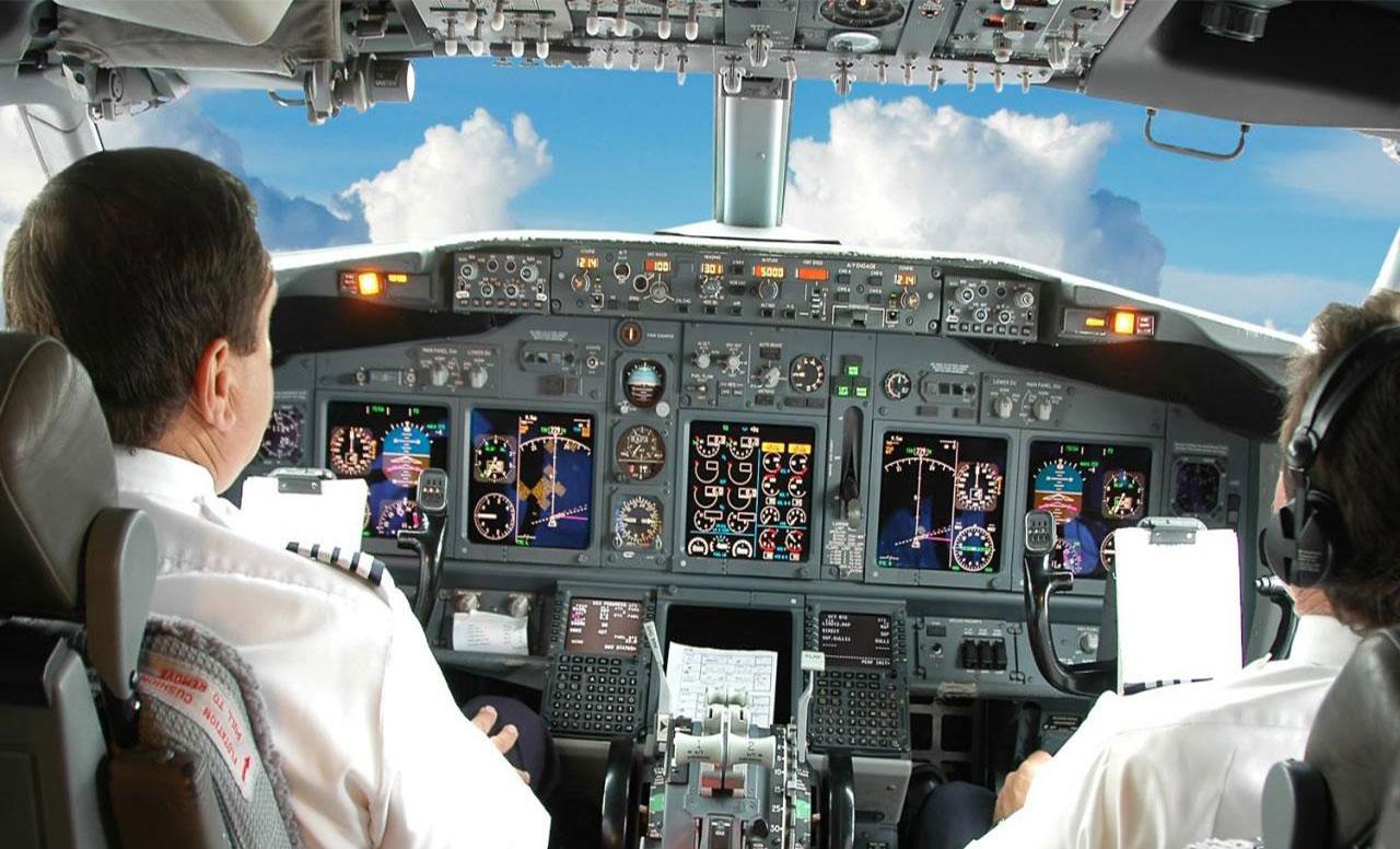 گردشگری دنیا - شرکت های هواپیمایی - هواپیماسازی امریکایی بوئینگ - خلبان - خدمه هواپیما - پیش بینی تعداد خلبان های دنیا