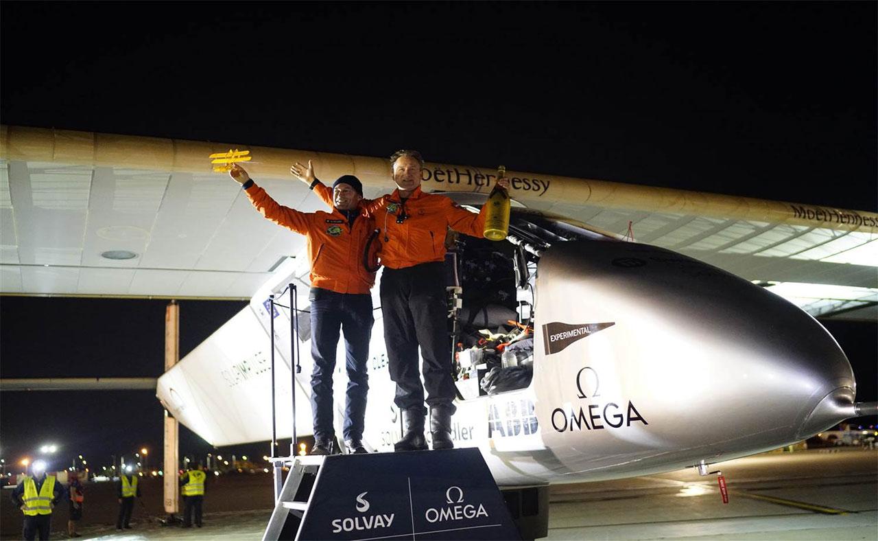 گردشگری دنیا - هواپیمای خورشیدی - سولار ایمپالس 2 - ماموریت پروازی - فرودگاه بطین - ابوظبی - امارات
