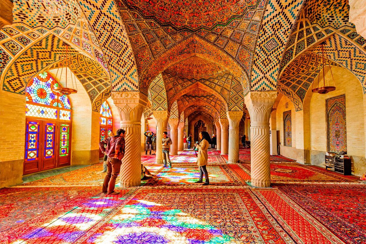 گردشگری ایران - گردشگران ورودی - جامعه تورگردانان- درآمد گردشگری