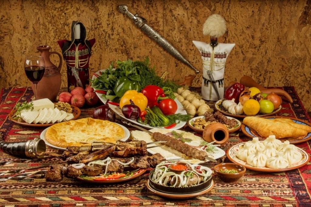 با ۱۰غذای لذیذ گرجستان آشنا شوید
