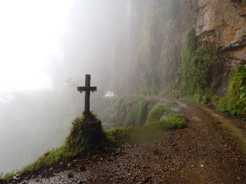 مرگبارترین جاده های جهان