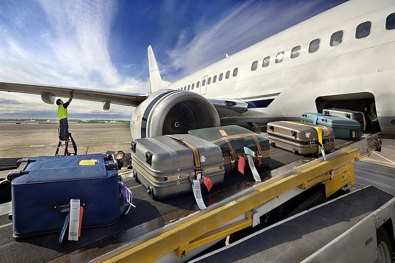 اصول اولیه حمل چمدان و تحویل آن در فرودگاه