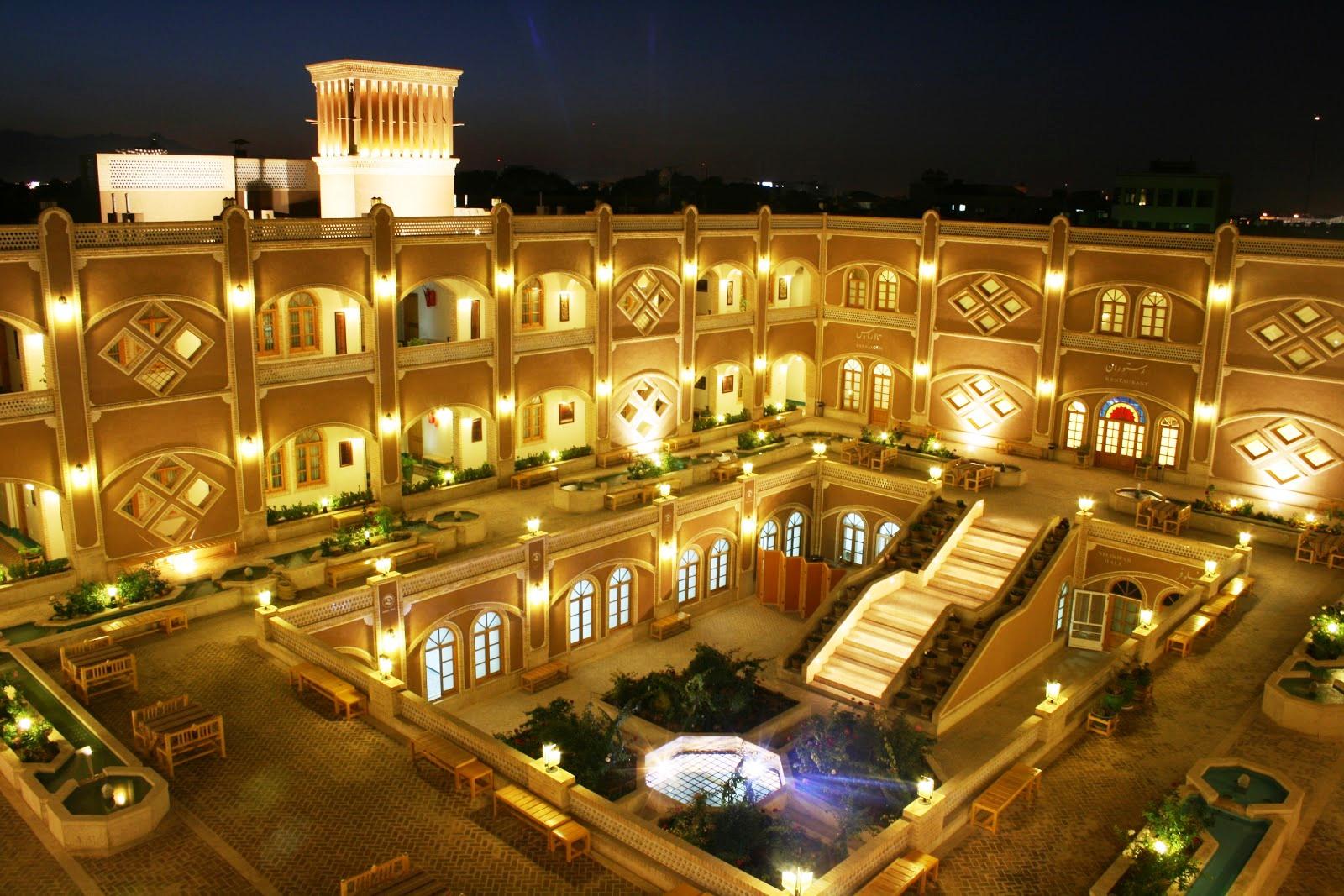 هتل داد یزد؛ شکوه معماری کهن در قلب کویر