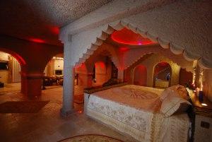 زیباترین هتل های غاری