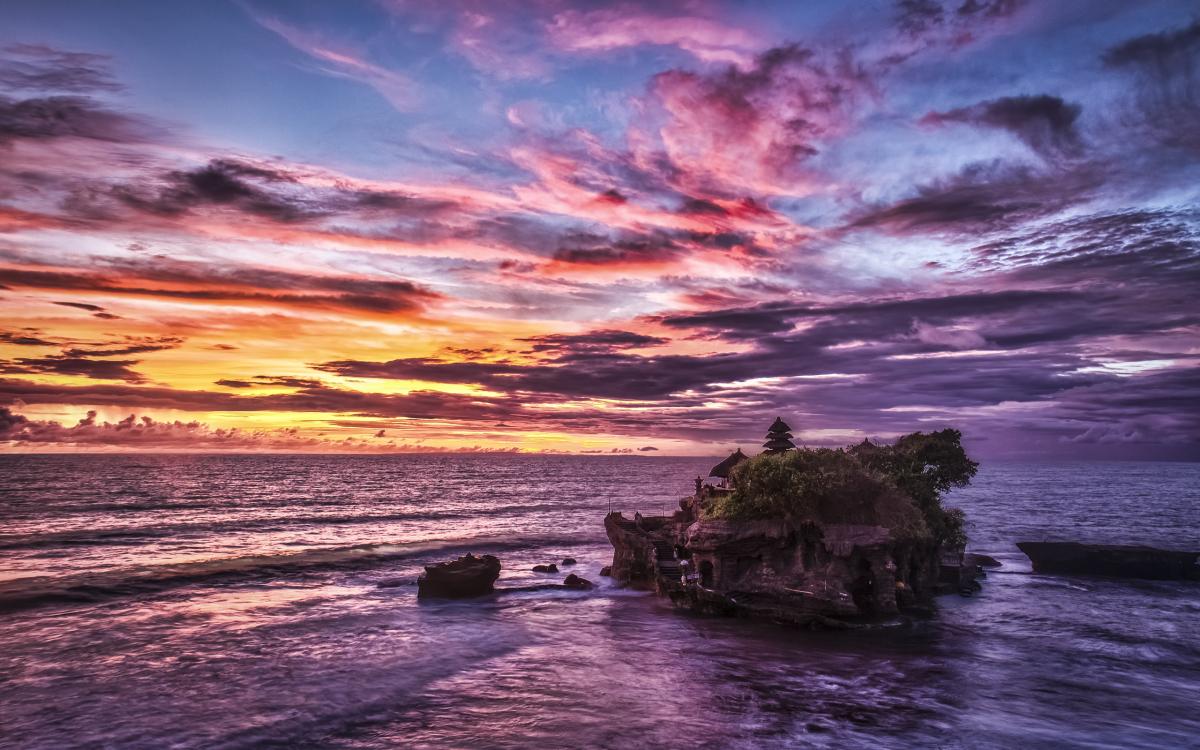 معبد تاناه لوط بالی؛ قلعه مارهای دریای