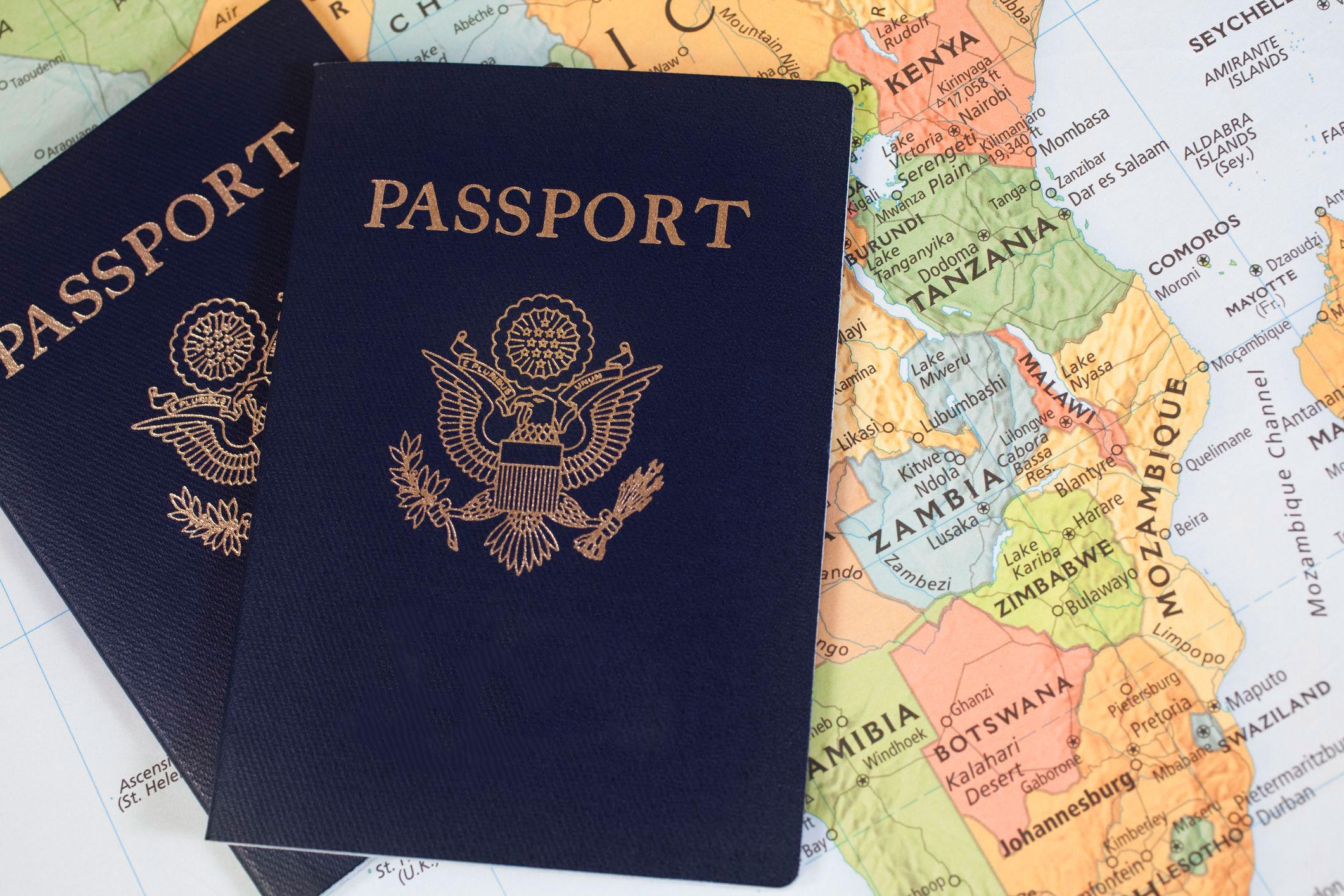 رنگ جلد گذرنامه ها چگونه انتخاب می شود؟