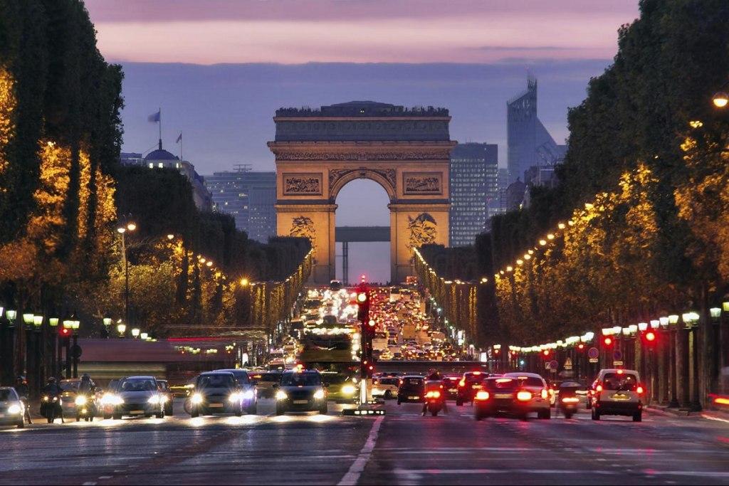 شهرت جهانی خیابان شانزلیزه پاریس