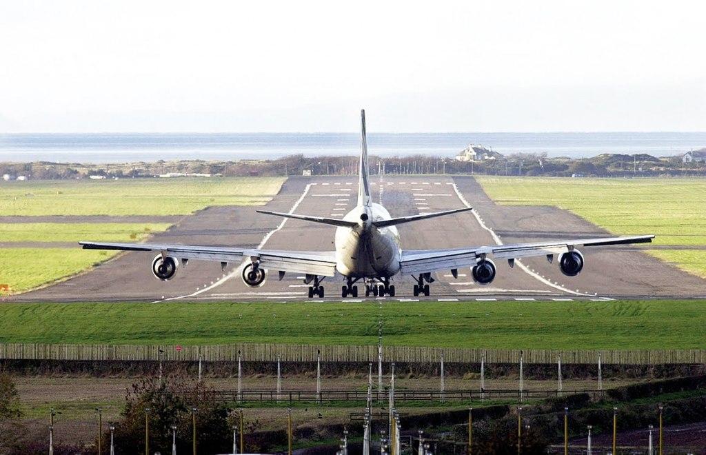 باند فرودگاه گلاسکو