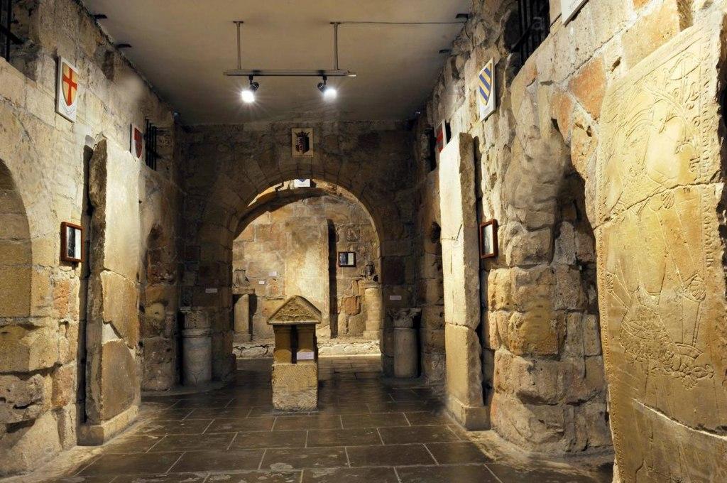 داخل قلعه کلوسی