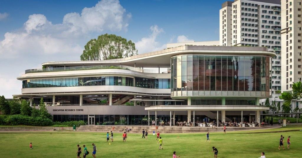 قدمت، رتبه و مزایا تحصیل در دانشگاه ملی سنگاپور