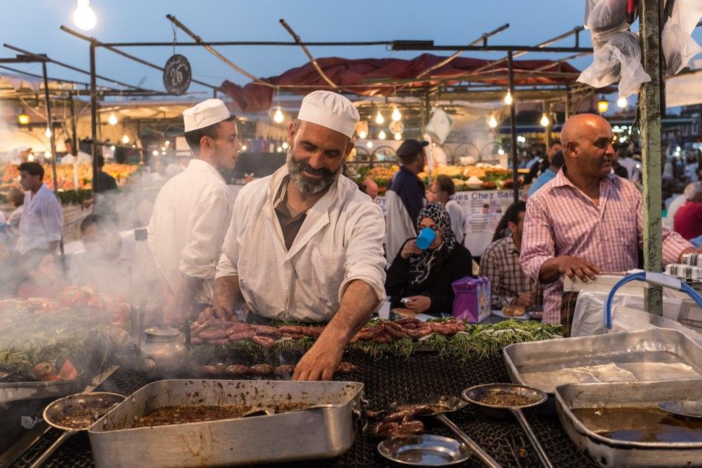 در بازارچه های مراکش غذا بخورید