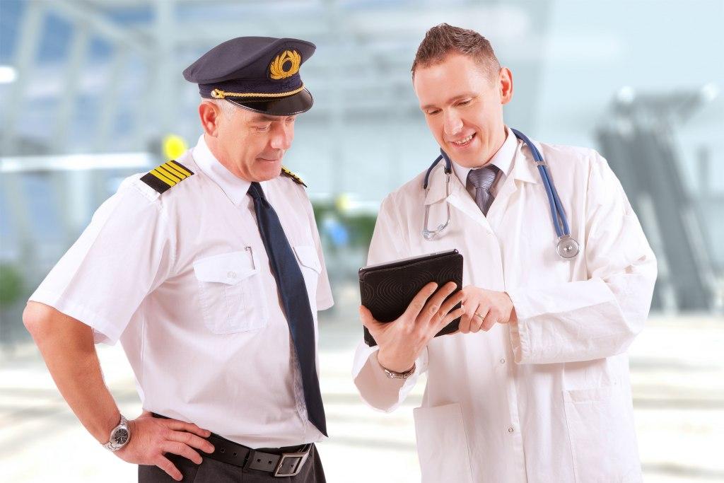معاینات پزشکی خلبان
