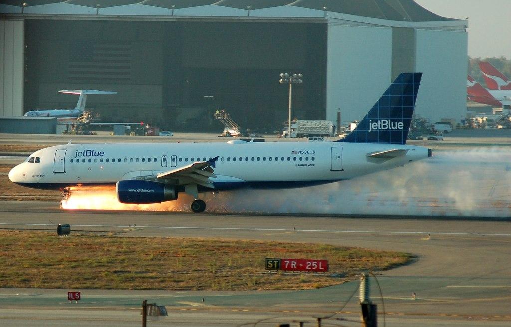 آتش سوزی در هواپیما