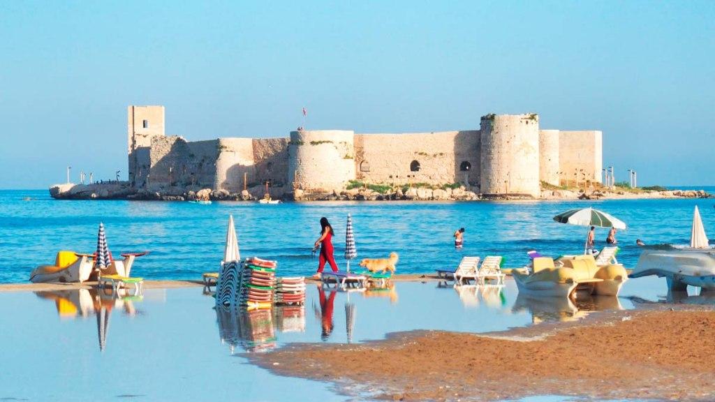 ساحل Kizkalesi در ترکیه