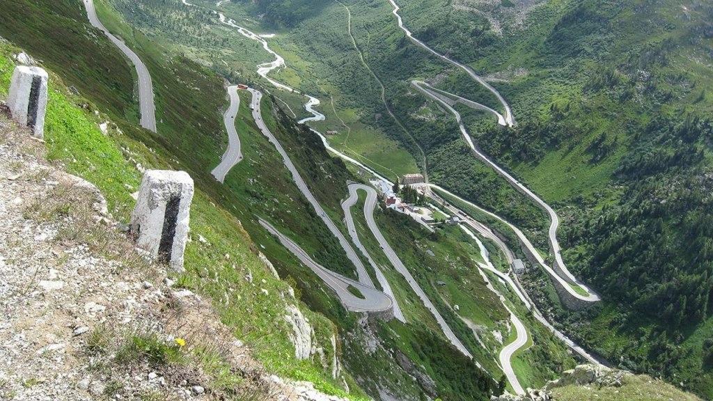 جاده فورکا در سوئیس