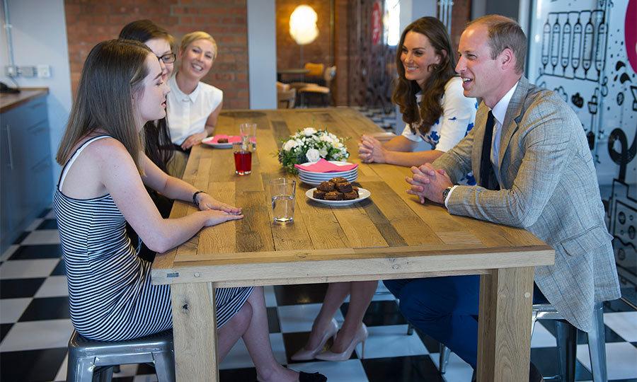 خانواده سلطنتی در رستوران