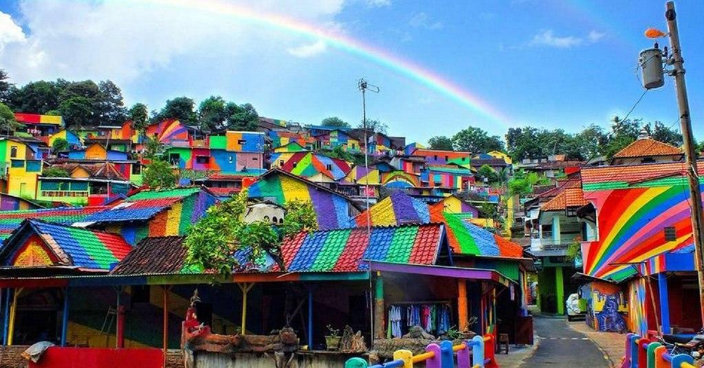 دهکده رنگین کمانی در اندونزی