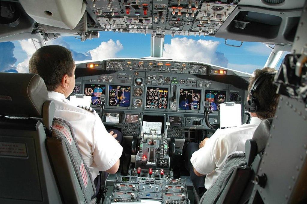 بیمار شدن خلبان
