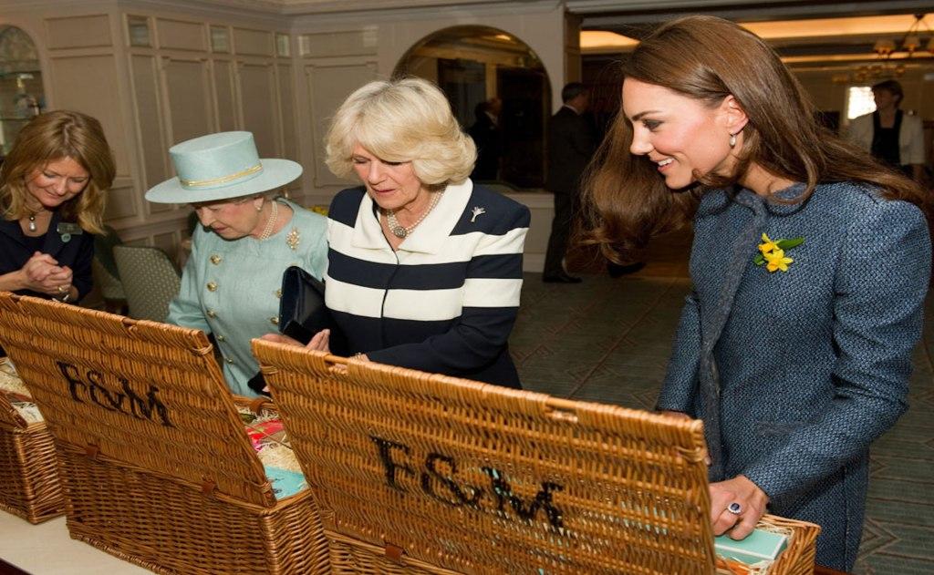 خرید خانواده سلطنتی انگلیس