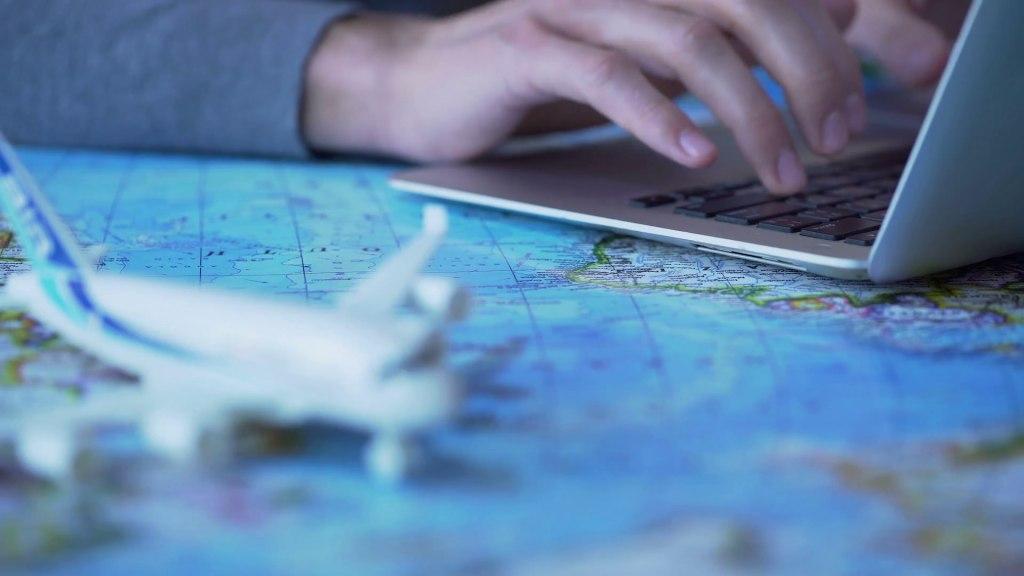 چطور پرواز های ارزان را پیدا کنیم؟