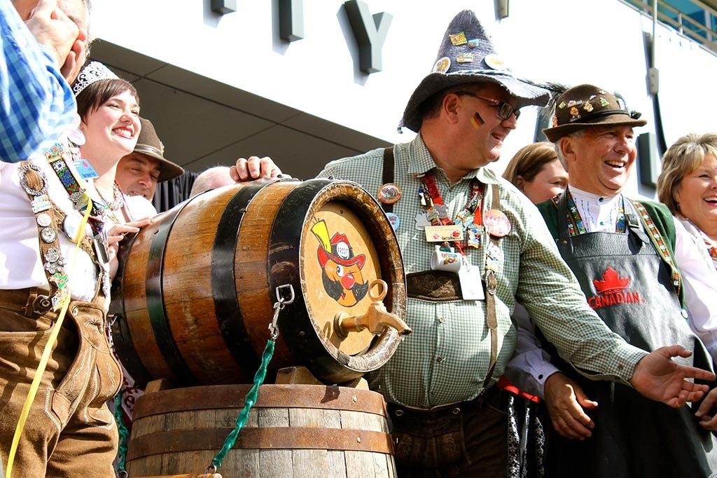 جشن اکتبر در شهر مونیخ آلمان