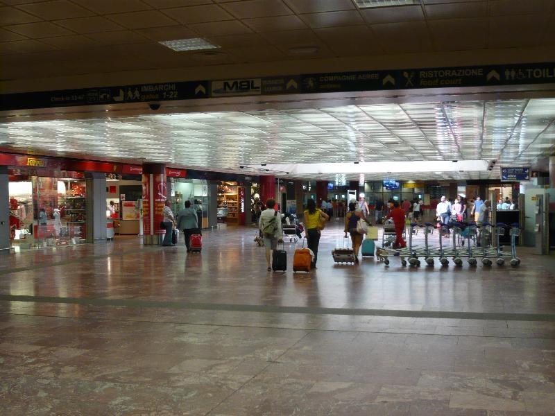 حمل و نقل در فرودگاه بولونیا