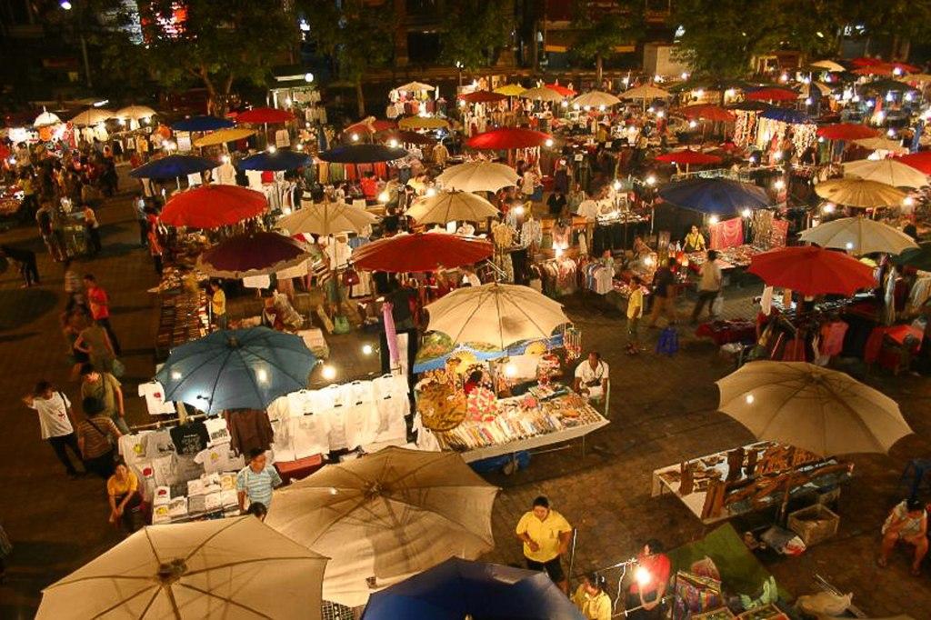بازار شبانه چیانگ مای تایلند چیست؟