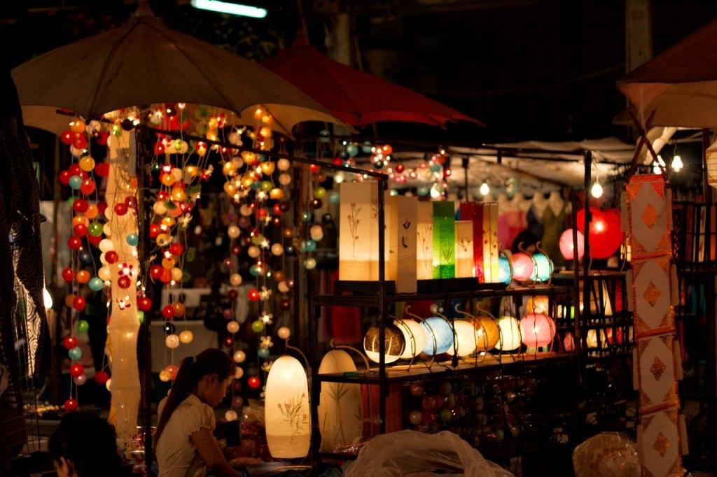 بازار شبانه چیانگ مای تایلند تجربه ای متفاوت