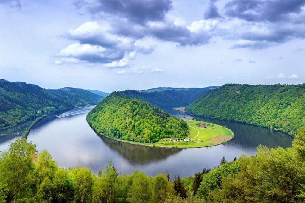 چرا به اتریش سرزمین دانوب آبی می گویند؟