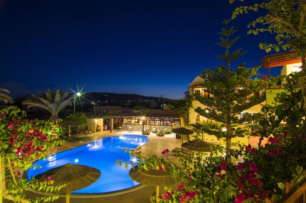 هتل اسماراگدی