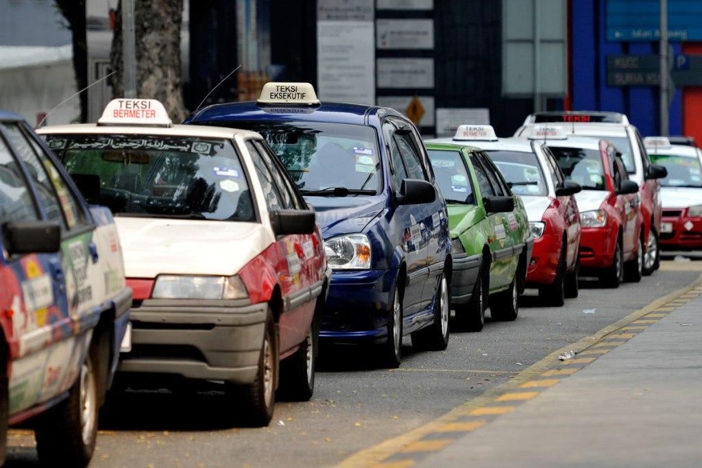 سیستم حمل و نقل تاکسی