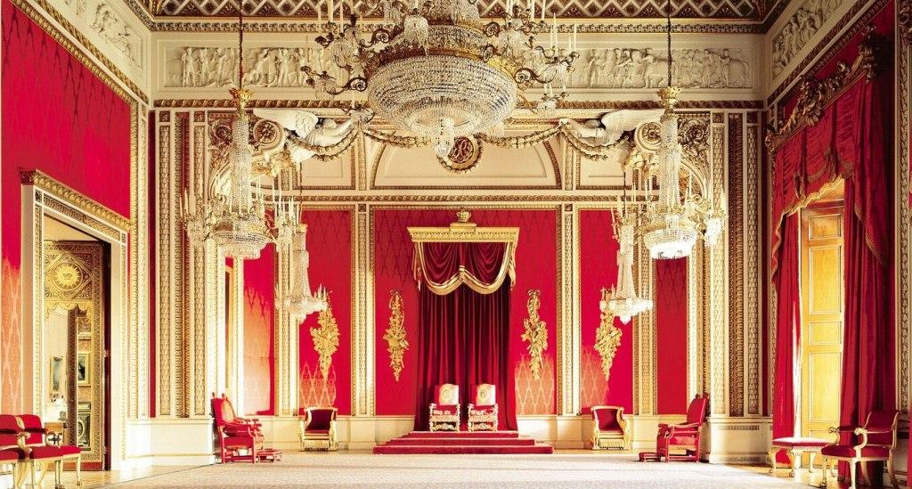 سالن تخت سلطنتی کاخ باکینگهام لندن
