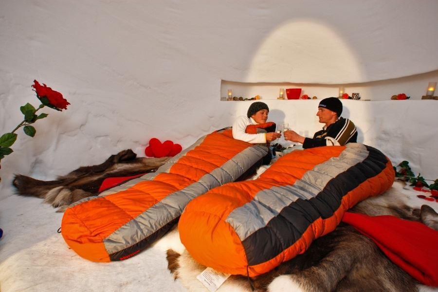 خوابیدن در ایگلو