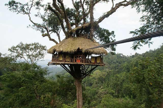 خانه های قبیله های آدمخوار