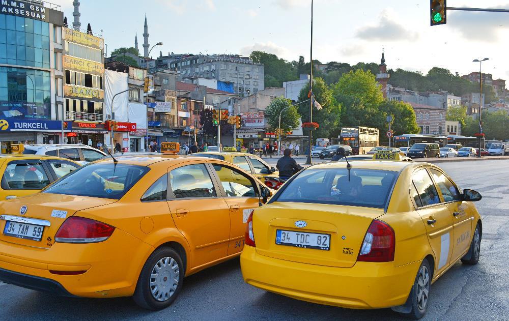 تاکسی در فرودگاه آتاتورک