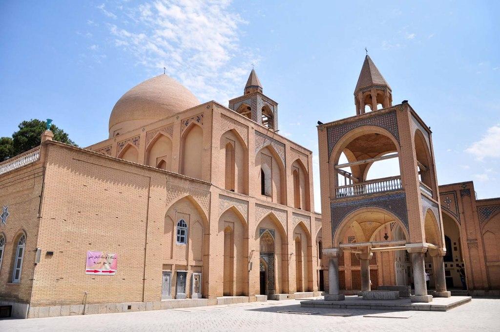 کلیسای وانک در قلب عاشقانه ترین خیابان اصفهان