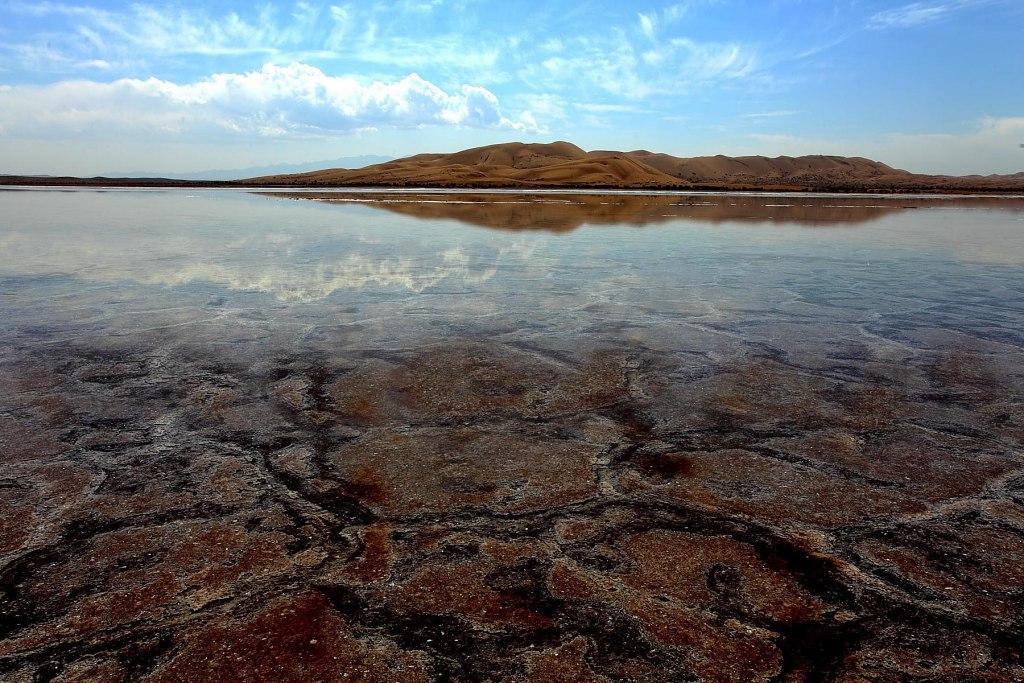 جزیره سرگردان در کویر مرنجاب