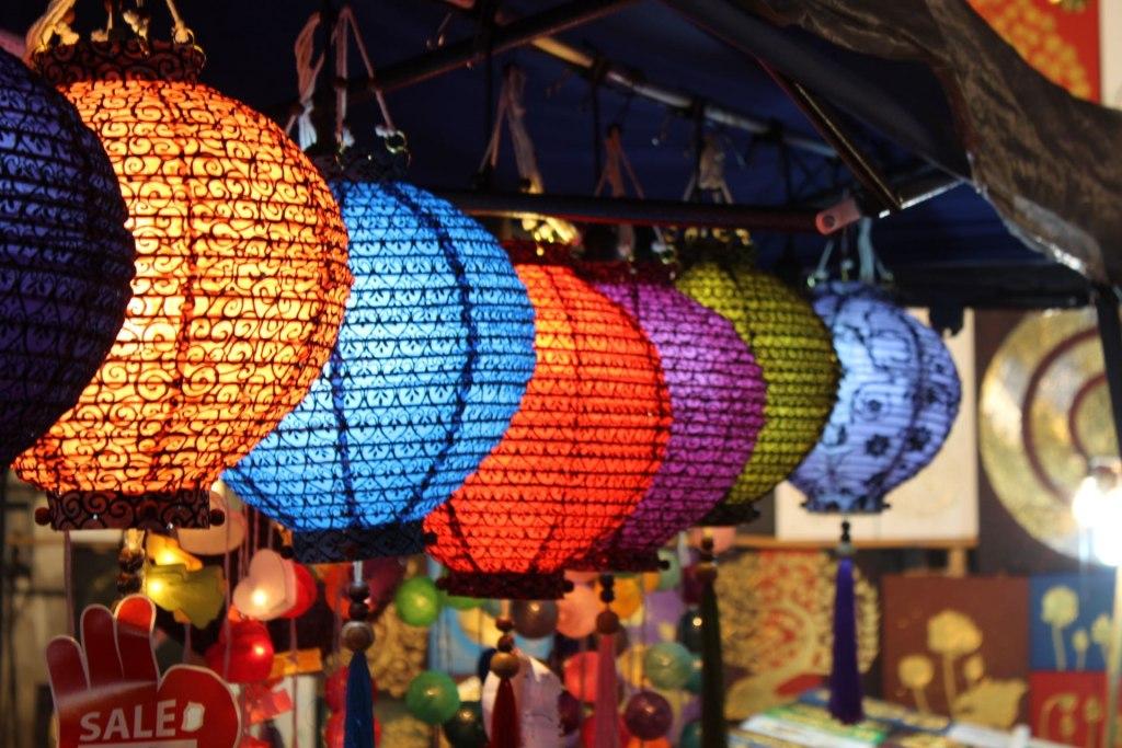 بازار شبانه چیانگ مای تایلند، بهشت عشاق خرید