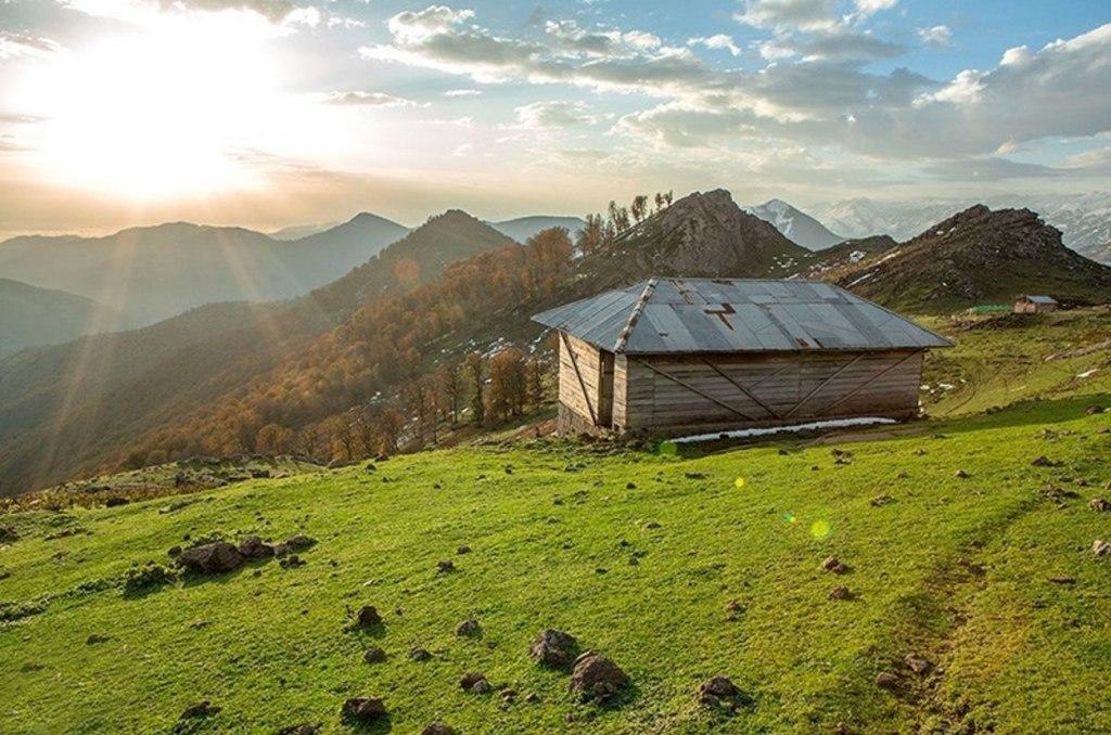 یک شب رویایی در بهشت با اجاره کلبه های چوبی