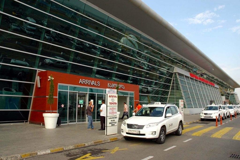 استفاده از تاکسی فرودگاه بین المللی تفلیس
