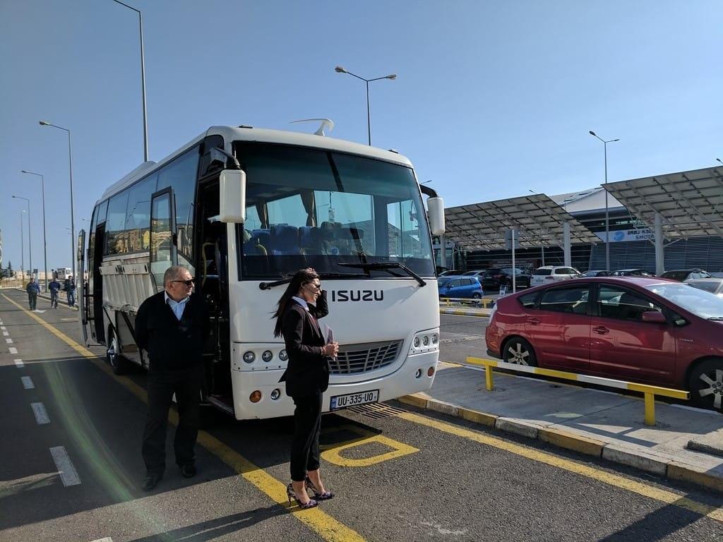 استفاده از اتوبوس فرودگاه بین المللی تفلیس