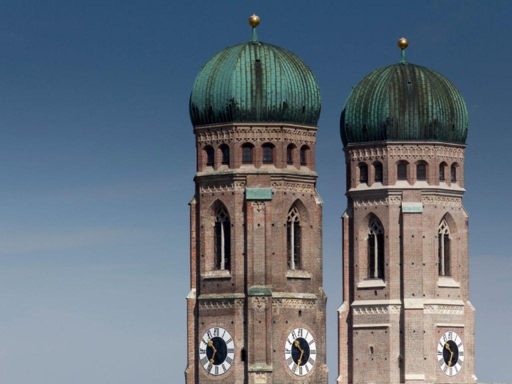 برج شمالی کلیسای بانوی ما