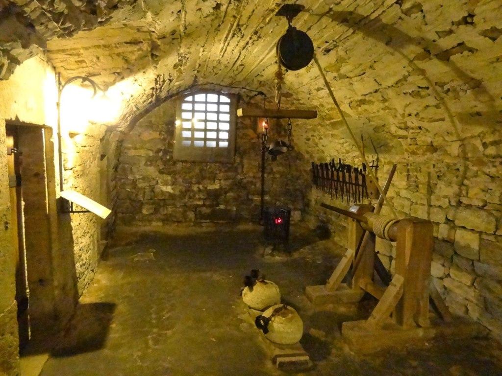 موزه جنایات قرون وسطی در روتنبرگ آلمان {hendevaneh.com}{سایتهندوانه} - IMAGE 887 1024x768 - موزه جنایات قرون وسطی در روتنبرگ آلمان